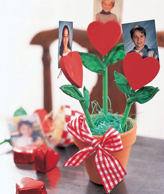 of some cute kid-friendly Valentine's Day crafts.